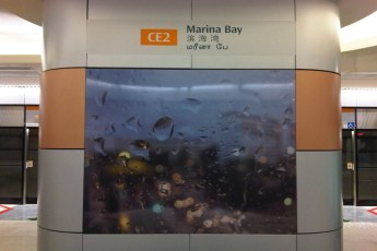 graphic-signage-marina-bay-mrt-station-07