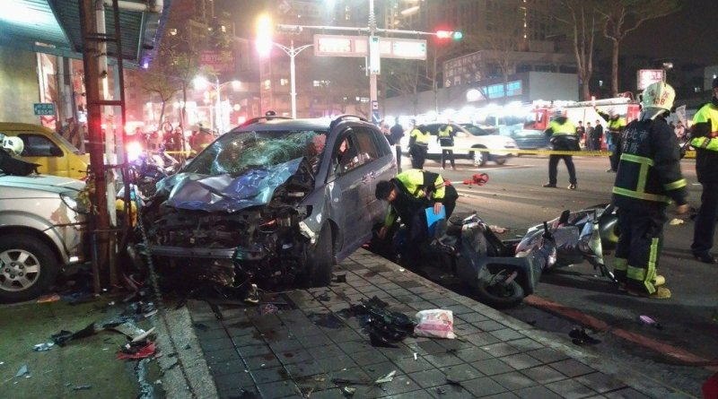 Aftermath of a car accident in Hsinchuang District, New Taipei City, March 6, 2017