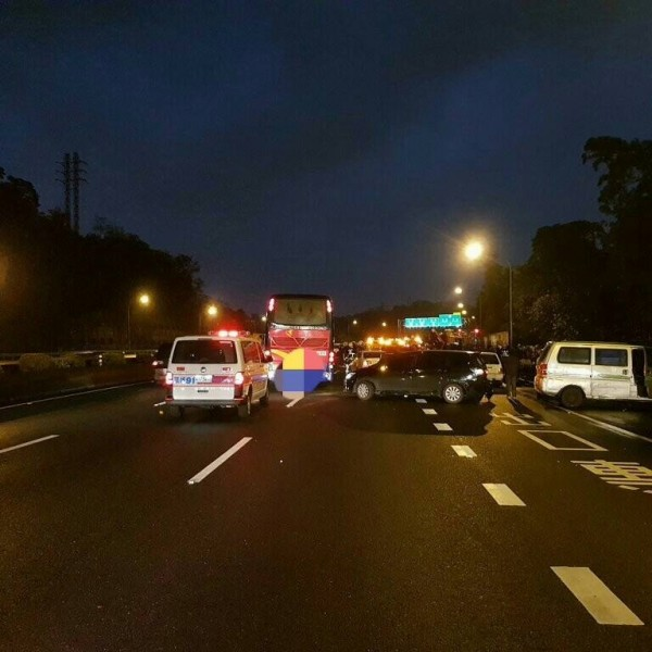 multi-vehicle freeway accident