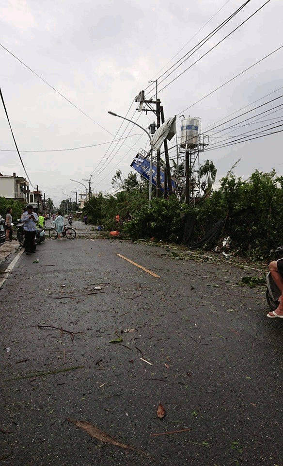street scene in Pingtung County after tornado