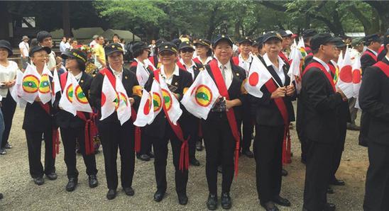 日本戰敗71周年,台灣人到靖國神社拜鬼。