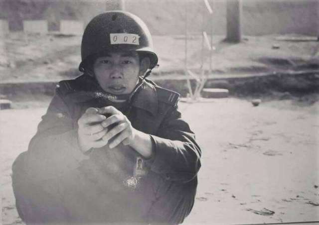lieutenant prevents grenade explosion ROC Army