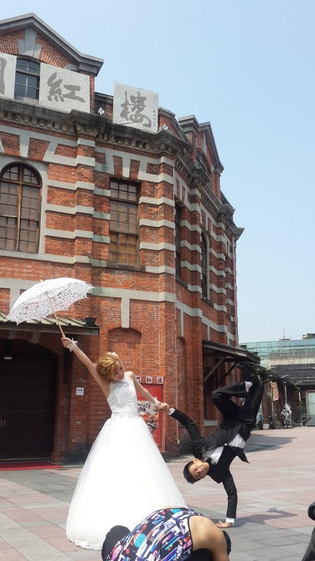 自主婚紗 花絮,婚紗攝影 花絮,自助婚紗 花絮,婚紗照姿勢 街舞婚紗照 婚紗攝影 外拍造型設計