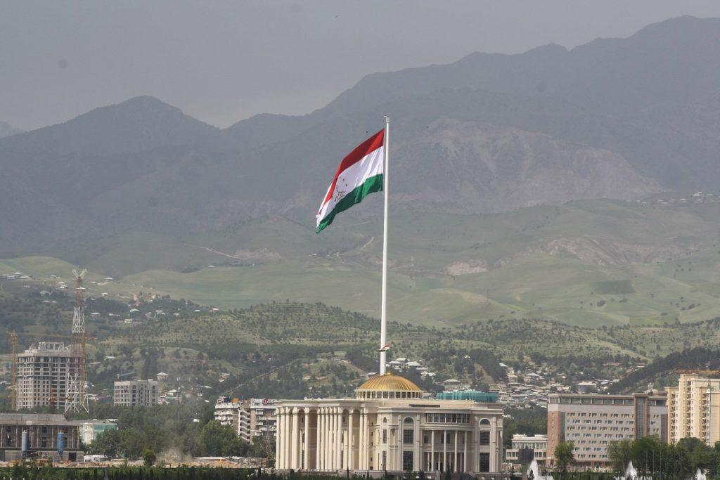 Флагшток Республики Таджикистан, столица - Душанбе