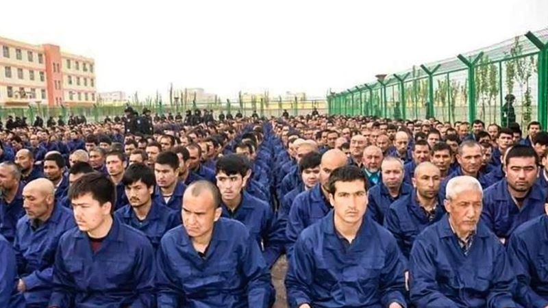"""Putra Mahkota Arab Saudi Dukung """"Kamp Konsentrasi"""" Cina untuk Muslim Uighur"""