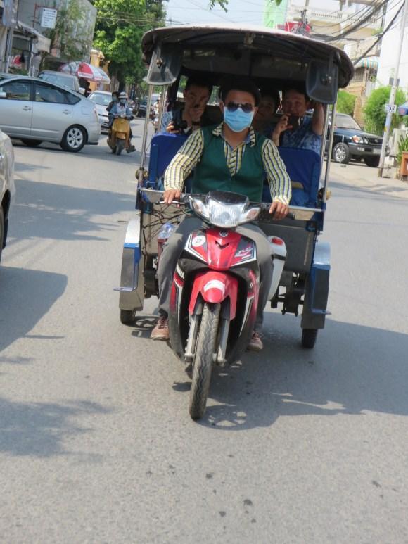 tuktuku3