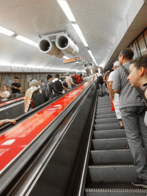 Escalator_budapest1