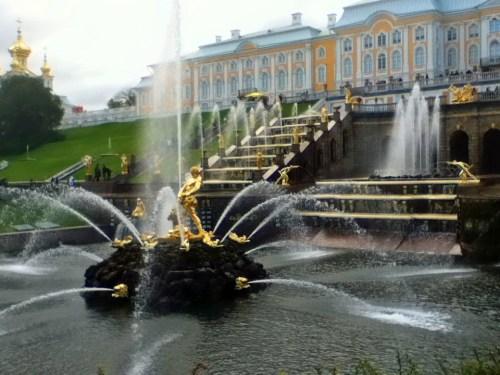 大宮殿前の大滝