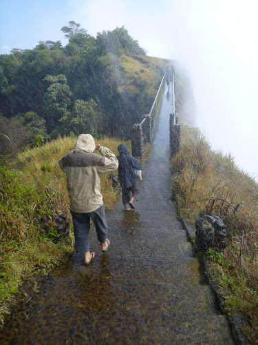 s-世界三大瀑布の1つビクトリアフォールズ(滝) (32)