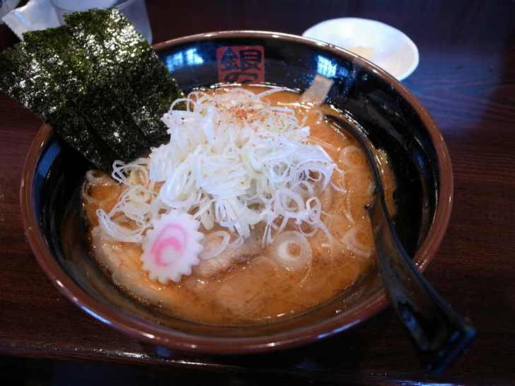 名古屋のおいしい味噌ラーメン:はなみずき通駅「銀の蔵 長久手店」 (2)
