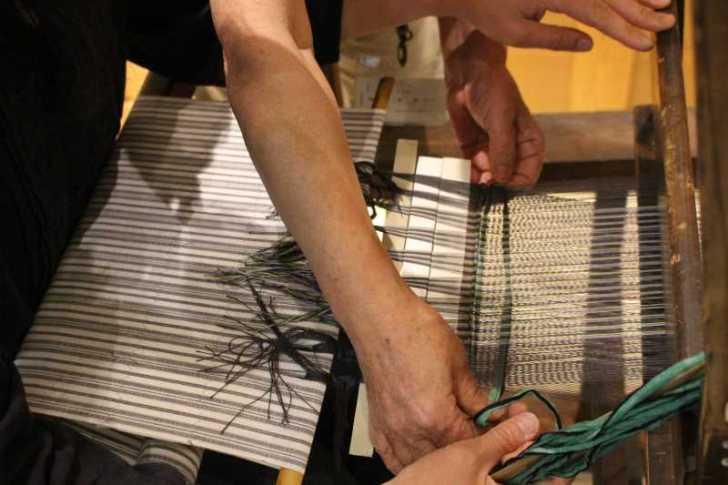 裂き織り体験教室で学ぶ「機織り機の仕組み」 (7)