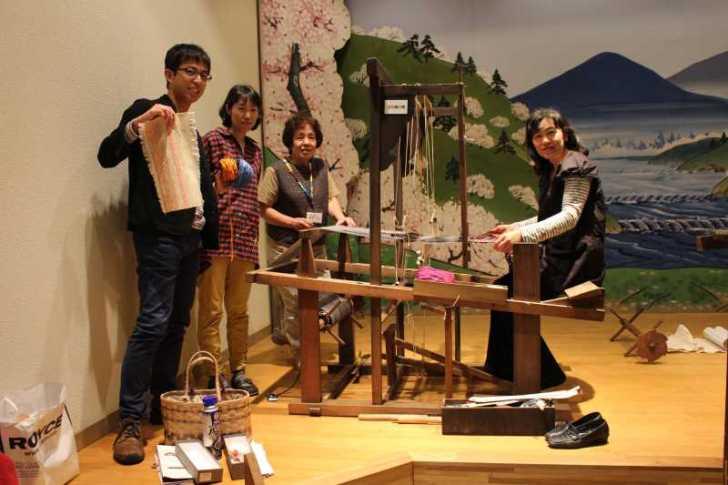 裂き織り体験教室で学ぶ「機織り機の仕組み」 (25)