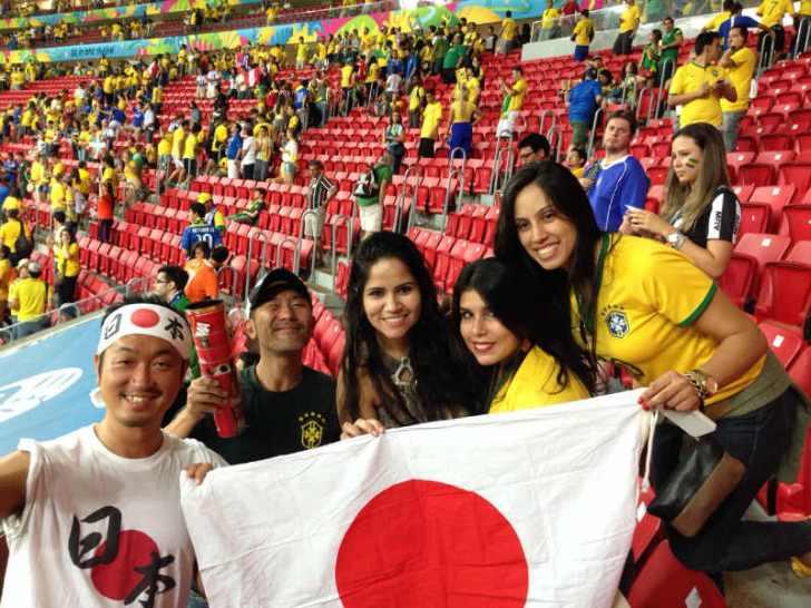 ブラジルW杯現地で出会った美女サポーターの写真画像[美人女子シリーズ] (11)