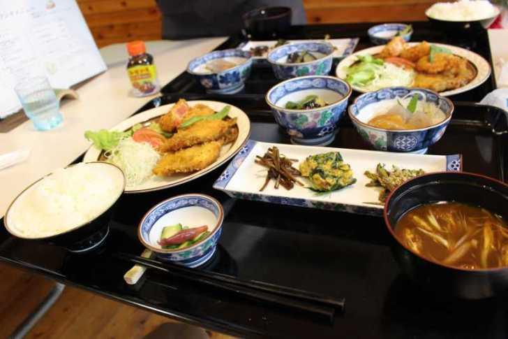 廃校である旧菅守小にオープンした「つくで田舎レストランすがもり」で四季御膳を食べてきました! (7)