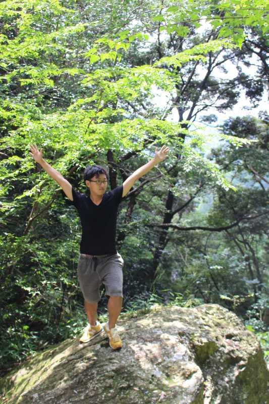 乳岩峡の川の水がきれい過ぎるので川遊び!さらにプチクライミングをしてハイキング (10)