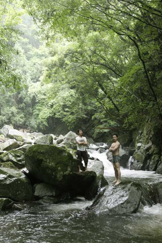 愛知県新城市作手の「保永の三滝」の滝つぼで泳いでみた![動画あり] (10)