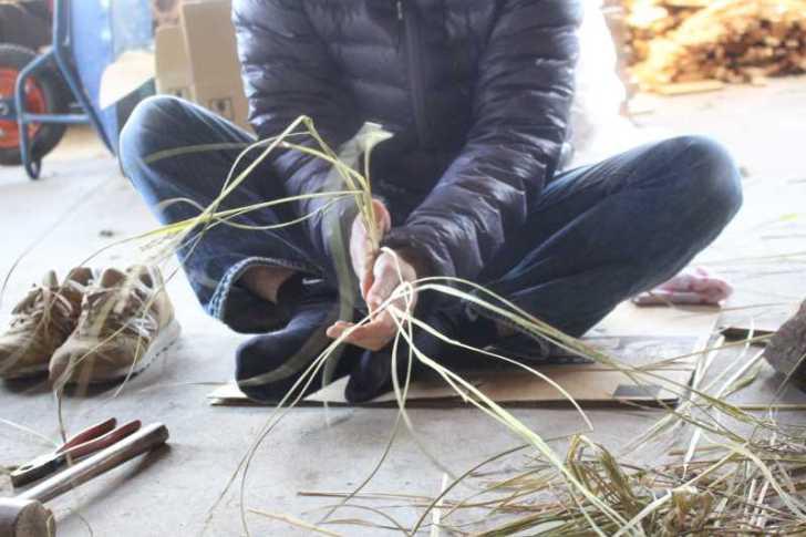 正月飾りのしめ縄を手作りしたら、かわいい女の子がコーヒーを淹れてくれたよ! (3)