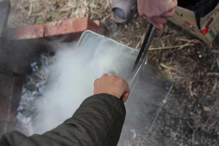女猟師と燻製器を一斗缶で自作し、鹿肉の燻製をやってみた! (8)