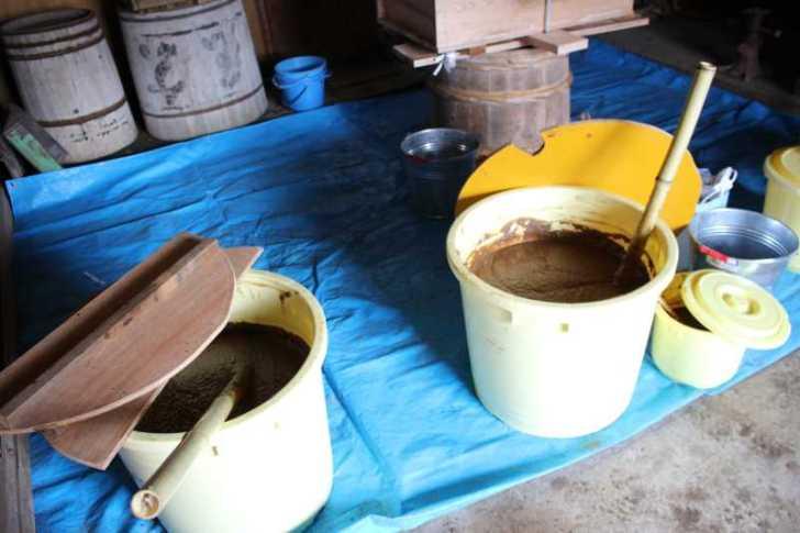 手作り醤油搾りのお手伝いをしてみた。搾りたて生醤油がおいしすぎてやばい! (8)