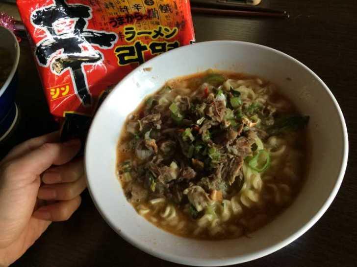 猪骨スープで作ったラーメンが激うまでやばい!