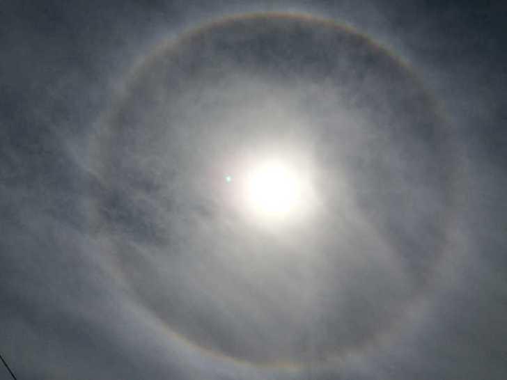 「日暈(ひがさ)」という大気光学現象発見!環水平アークもあったらしい