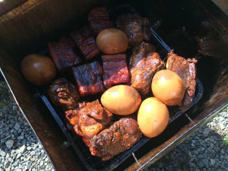 一斗缶での燻製にリベンジ!食材はベーコン、卵、鶏肉!! (3)