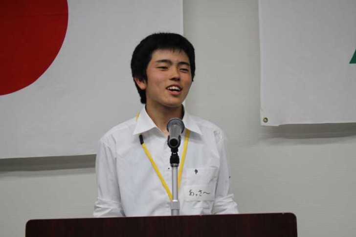 若干15歳の前田朝陽さんは今若者議会で最年少
