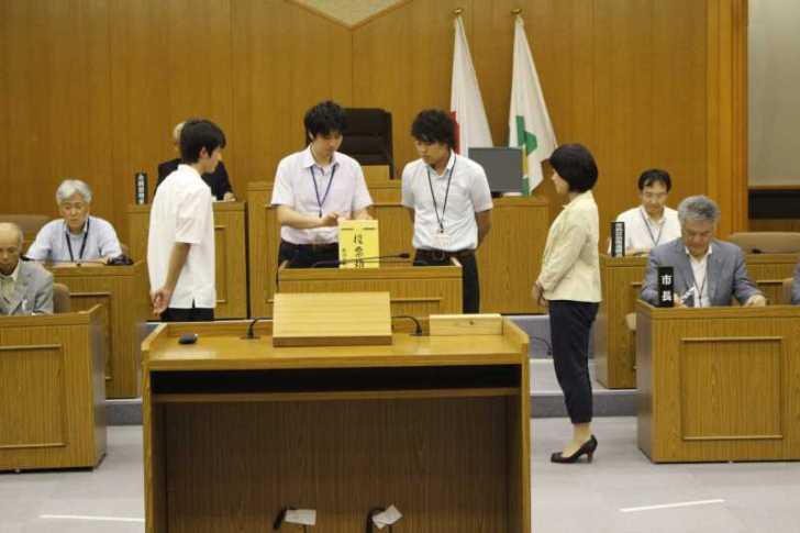 新城市で第一回若者議会が開催!各委員の所信表明+議長が決定しました! (10)