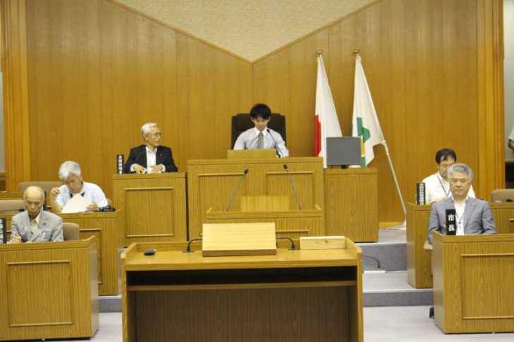 新城市で第一回若者議会が開催!各委員の所信表明+議長が決定しました! (11)