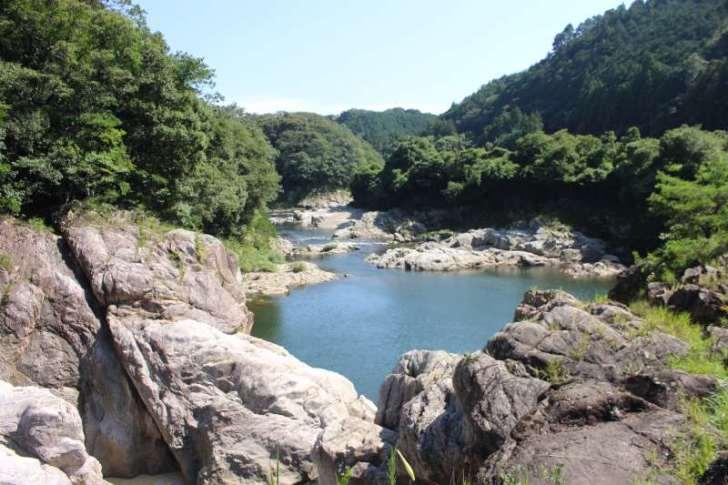 新城市のナイアガラ!?長篠堰堤が美しくて良かった!【日本三大美堰堤】 (3)