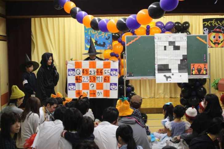 お寺でのハロウィンパーティー開催!仮装しての謎解きが色とりどりで楽しすぎる! (26)