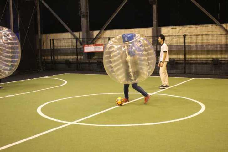 「健康維持にバブルサッカー」若者議会の医療チーム政策が新聞に取り上げられたし、バブルサッカーをやってみた! (6)