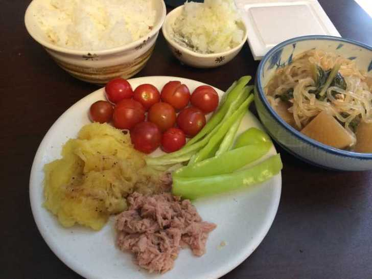【珍しい野菜栽培】16.生で食べると美味しいバナナピーマンを収穫してサラダにしたよ!