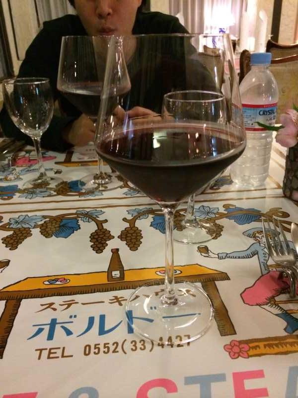 レストランボルドー!ワインの王様のぶどう品種「ピノ・ノワール」を使う山梨のワイナリーを見学してきたよ! (1)