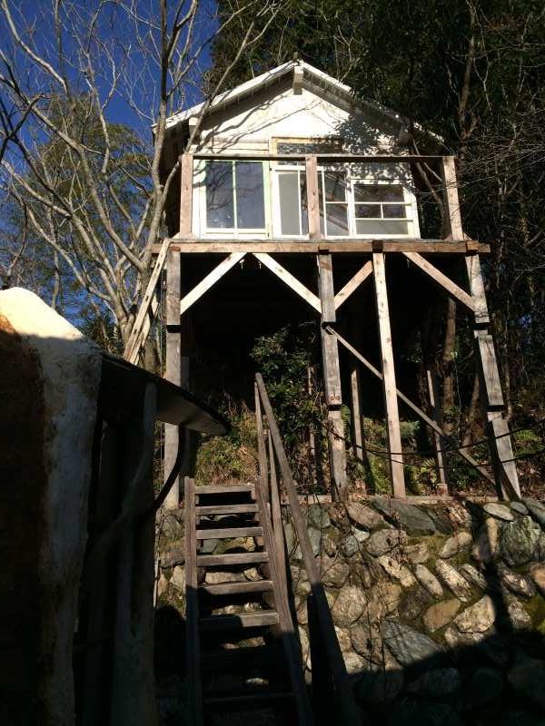 セルフビルドの面白い家が立ち並ぶ理想空間が和歌山にあった!【アースバックハウス・ストローベイルハウスetc】 (28)