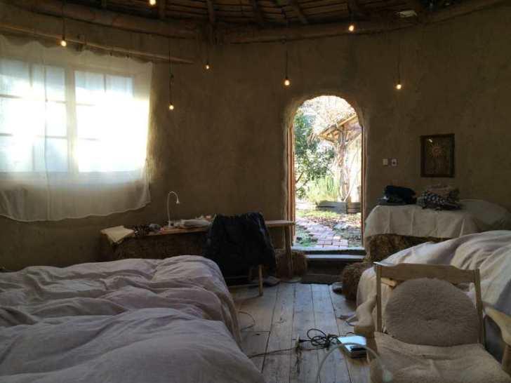 セルフビルドの面白い家が立ち並ぶ理想空間が和歌山にあった!【アースバックハウス・ストローベイルハウスetc】 (26)