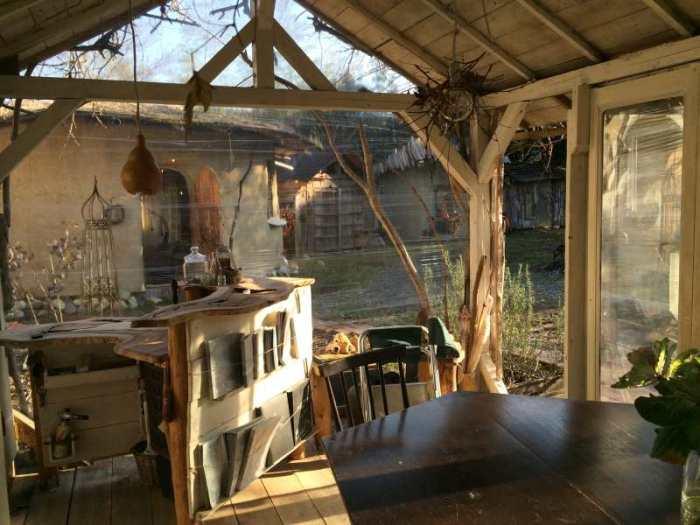 セルフビルドの面白い家が立ち並ぶ理想空間が和歌山にあった!【アースバックハウス・ストローベイルハウスetc】 (10)