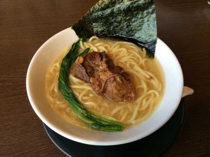 豊田市「麺創なな家」のラーメンはにぼしが一番好きかも・・・【おすすめラーメンレビュー】 (2)