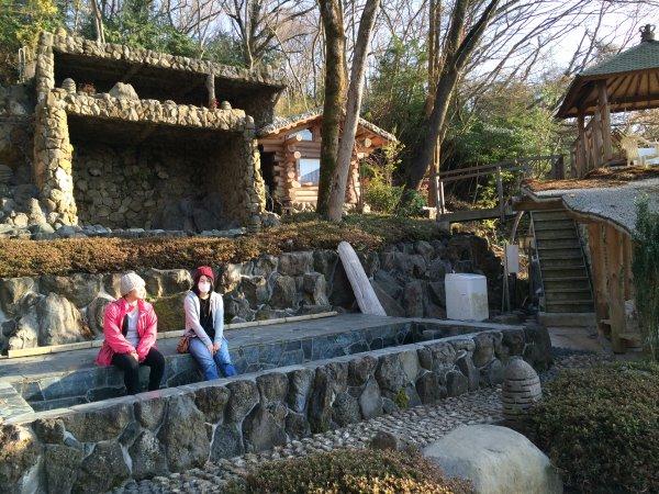 伊豆のスターヒルズのログハウスと作りかけのアースバックハウスがすごすぎた!【静岡】 (16)