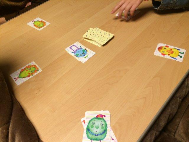 """謎の生物""""ナンジャモンジャ""""に名前をつけて覚えるボードゲームが案外面白くて盛り上がった (3)"""
