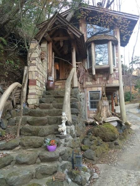 伊豆のスターヒルズのログハウスと作りかけのアースバックハウスがすごすぎた!【静岡】 (30)