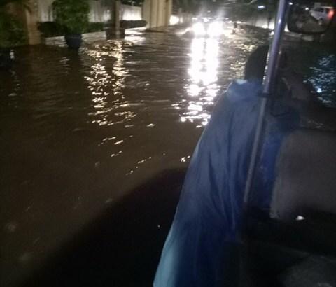 8月11日  道が川になってた!