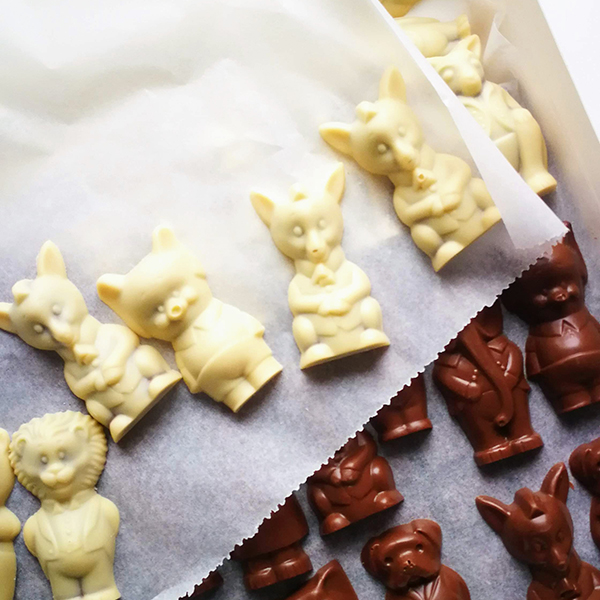 vegan witte chocolade Loulou's Chocolate Diertjes praliné
