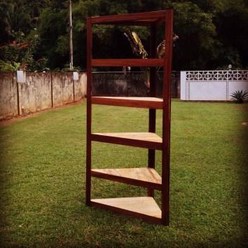 Etagères sur-mesure en palettes en angélique - TAKARI DESIGN - Guyane - La Fabrique du Dégrad