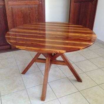 Table ronde en Angélique et bois Serpent - TAKARI DESIGN - Guyane - La Fabrique du Dégrad