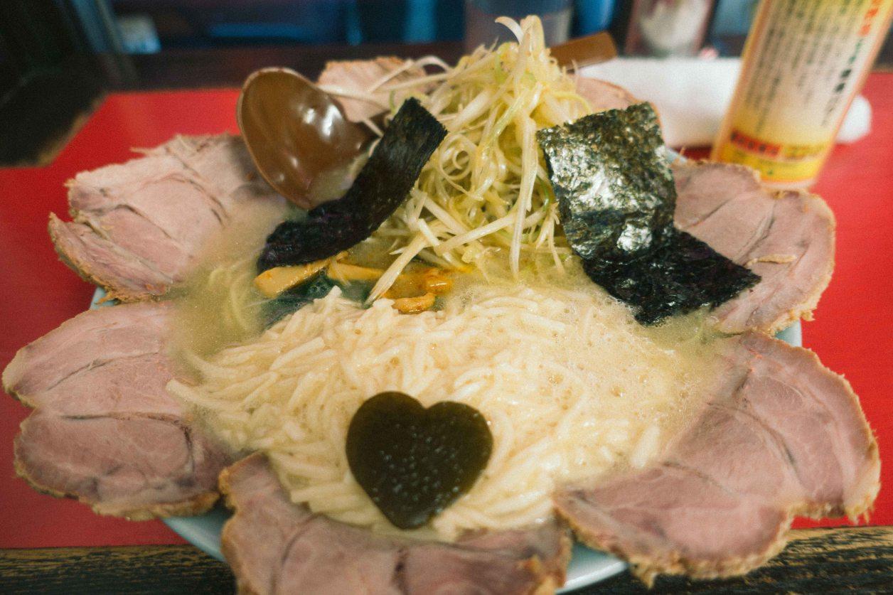 壱発ラーメンネギとろチャーシュー麺
