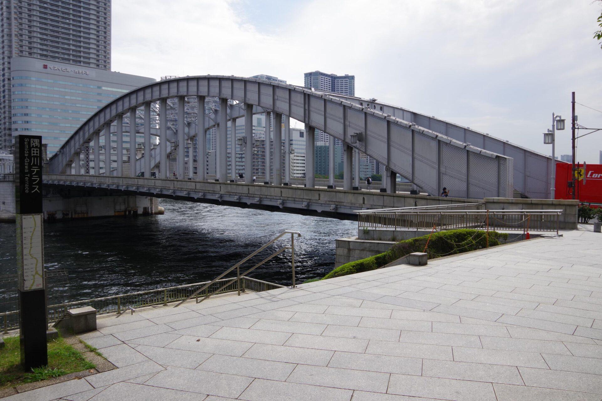 隅田川にかかる勝鬨橋