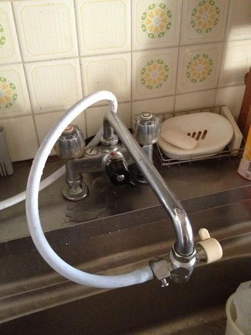 変わった形のキッチン水栓