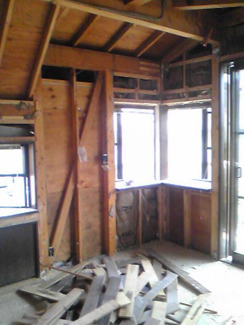 戸建注文建築を解体します。しっかりしたお宅は壊すのも大変
