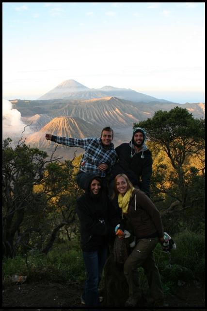 The crew (Anysia, Alexi & us) @ Bromo volcano